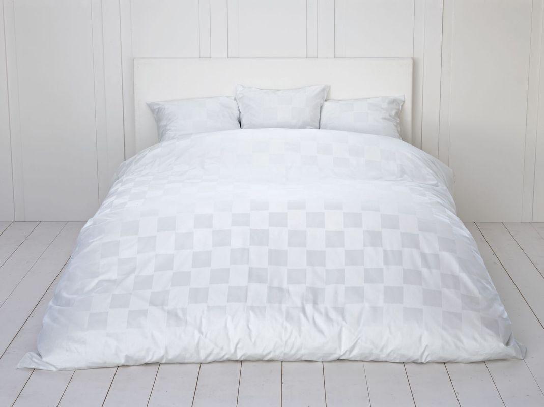 fischbacher bettw sche 339 carre wei 10 wohnaccessoires bei tepgo kaufen versandkostenfrei. Black Bedroom Furniture Sets. Home Design Ideas
